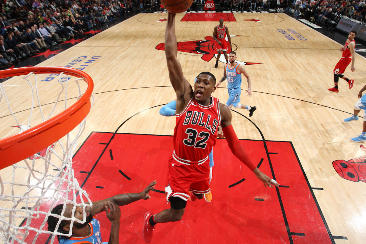 Kris Dunn #32 of the Chicago Bulls dunks against the LA Clippers