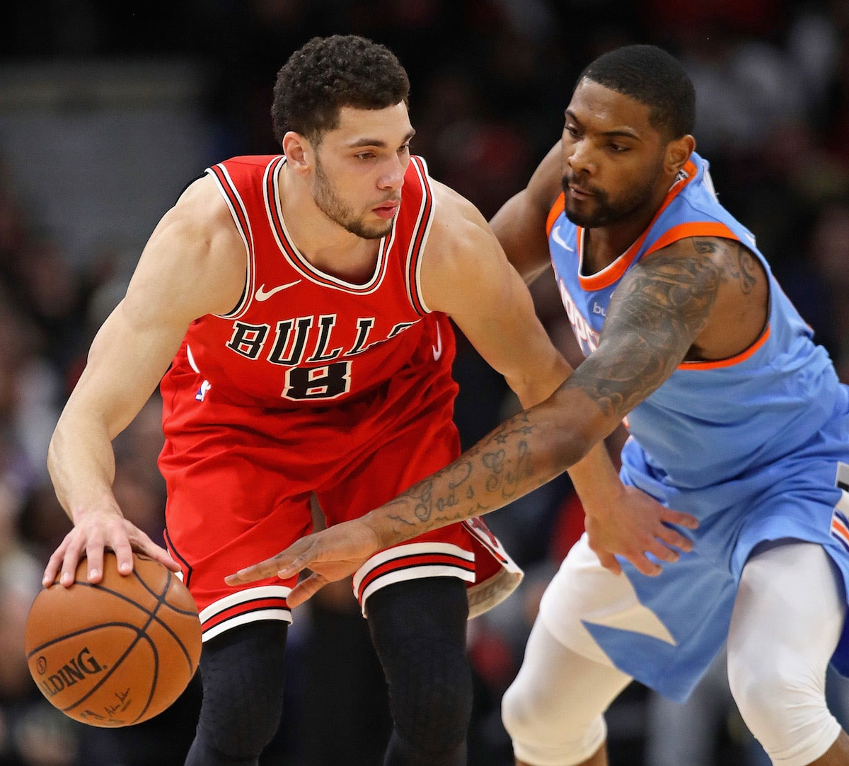 Zach LaVine #8 of the Chicago Bulls handles the ball against the LA Clippers