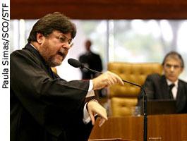 Advogado de Daniel Dantas faz sustentação oral em Sessão Plenária do STF - 06/11/2008 - Paula Simas/SCO/STF
