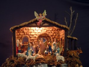 Fontanini Lighted Nativity Stable Creche Manger