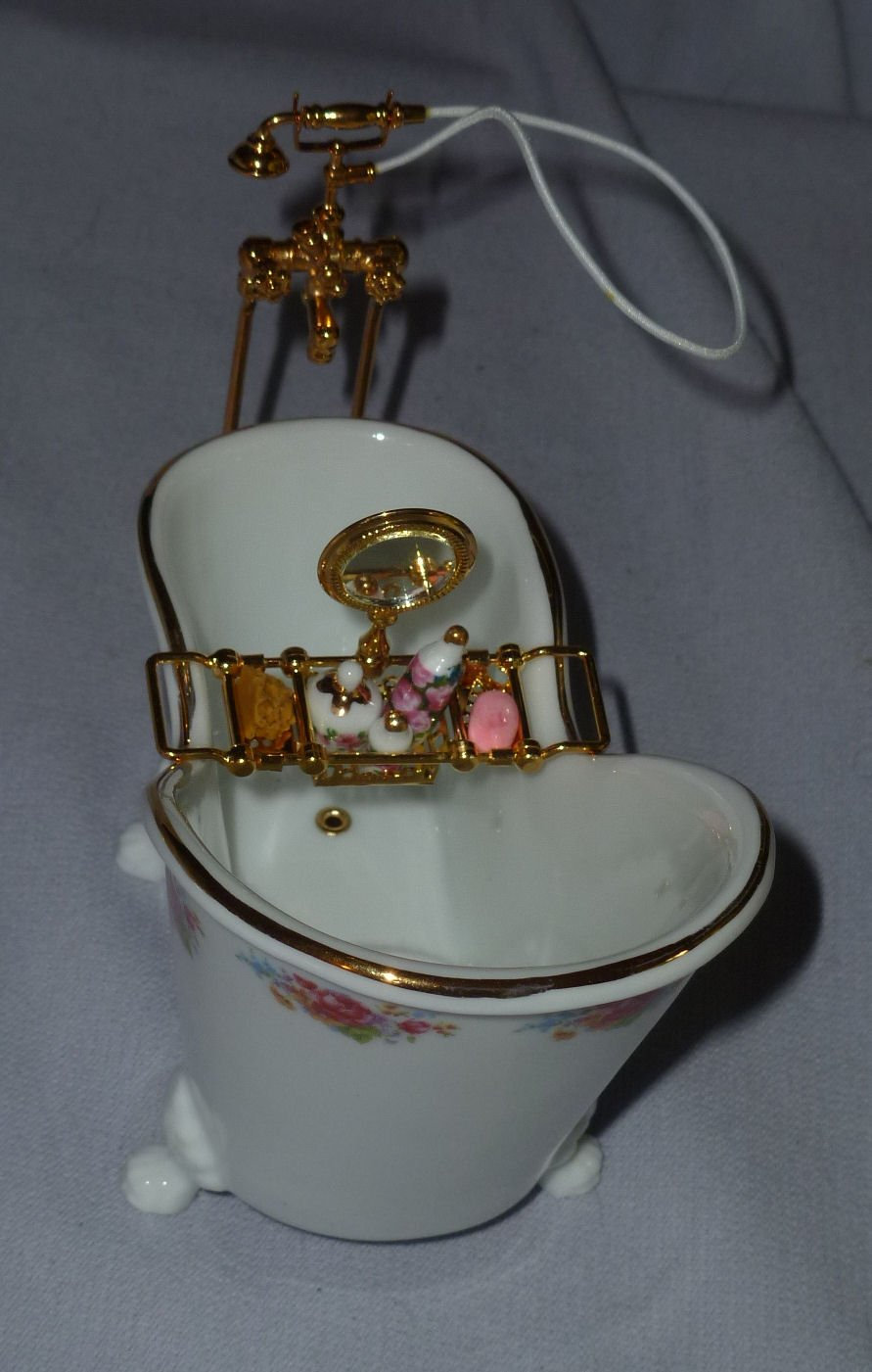 Reutter Porcelain Miniature Dollhouse Bathtub With Shower