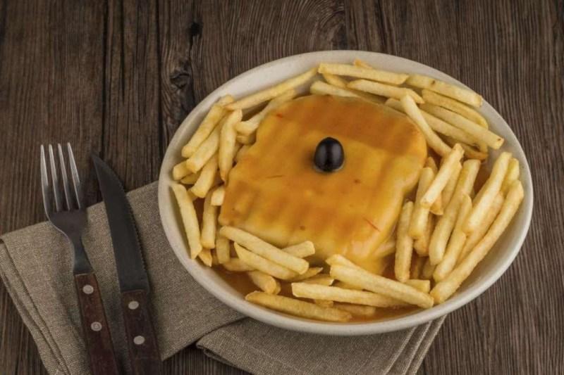 Франсезинья (Португалия) блюдо, еда, туризм