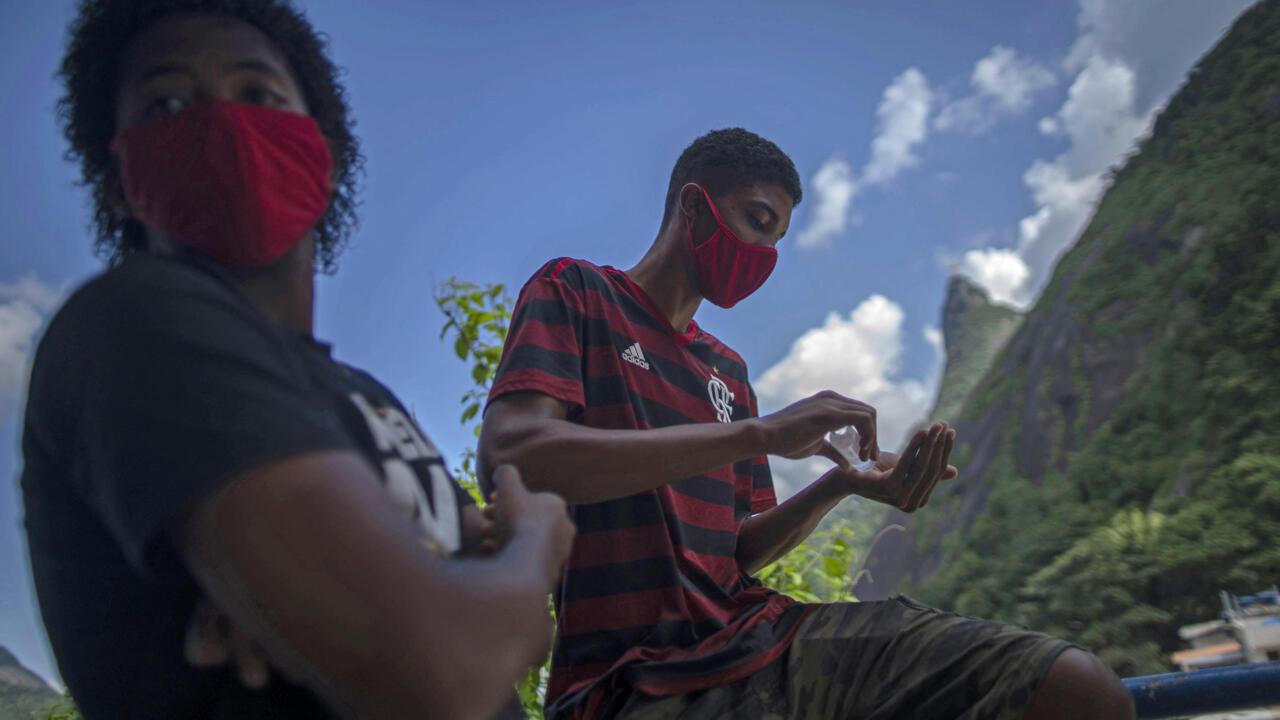 No Brasil, os jovens se tornaram os principais alvos da variante