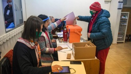 Uruguay celebró elecciones regionales y Mujica confirmó su retiro de la  política