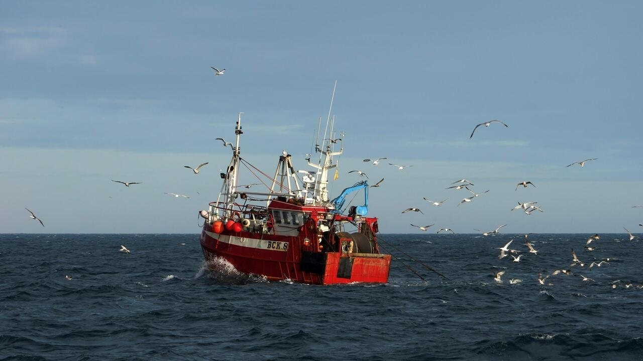 Brexit: EU and UK in choppy waters over fishing rights