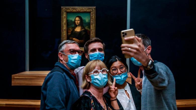 El Museo del Louvre reabre sus puertas con restricciones y una capacidad  limitada