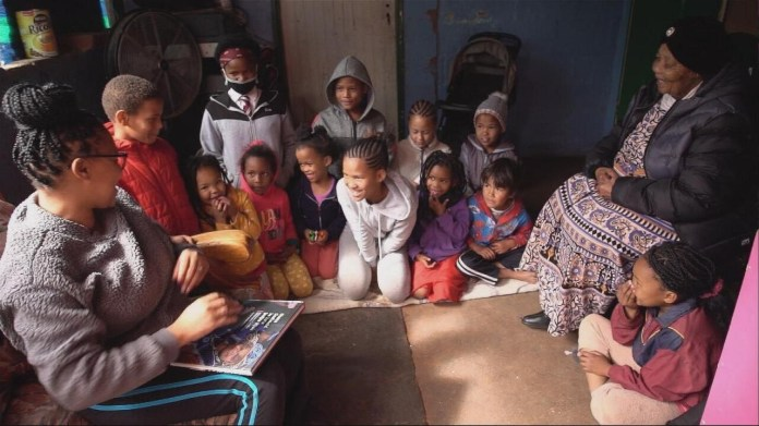 Watch Focus – A final-ditch effort to save lots of the South African language of Nluu  – France 24 information