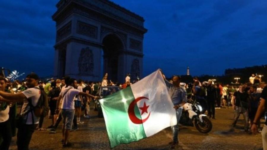 فرنسا مقتل امرأة وأعمال شغب أثناء احتفالات جزائريين بالتأهل