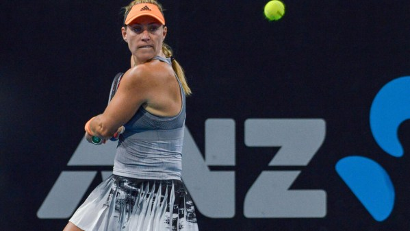 Former champion Kerber suffers Australian Open injury setback - France 24
