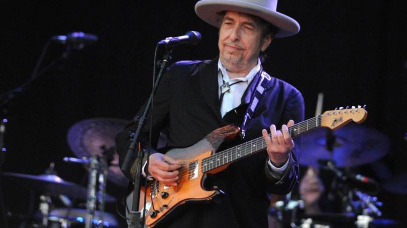 Bob Dylan: George Floyd's death 'sickened me' - France 24