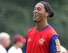 Ronaldinho Gaúcho  no treino do Flamengo (Foto: Cezar Loureiro / Ag. O Globo)