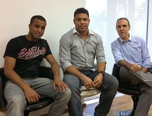 Lucas assina contrato com empresa de Ronaldo (Foto: Divulgação)