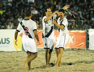 Edmundo comemora vitória do Vasco no futebol de areia (Foto: Divulgação)