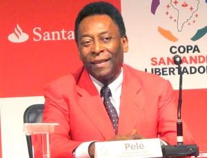 Pelé durante coletiva da Libertadores (Foto: Adilson Barros / GLOBOESPORTE.COM)