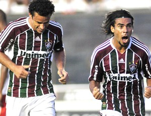 Araújo comemora gol do Fluminense contra o Bangu (Foto: Wallace Teixeira / Photocamera)