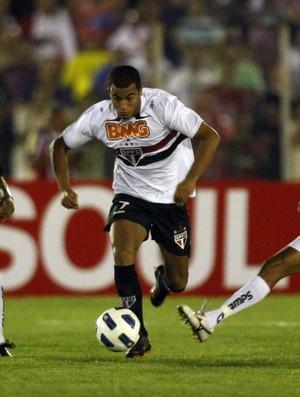 Lucas, do Sâo Paulo, em ação na paritda contra o Treze (Foto: Rubens Chiri / Site oficial do São Paulo FC)