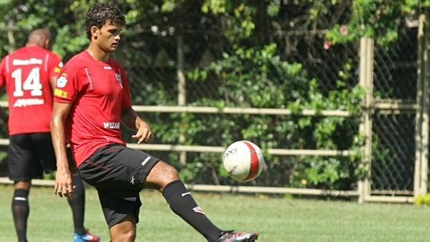 Willian José, do São Paulo (Foto: Luiz Pires/VIPCOMM)