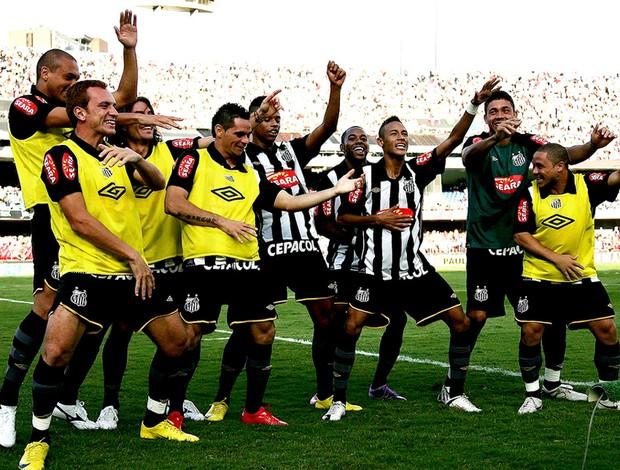 robinho neymar andré santos comemoração dancinha (Foto: Ricardo Saibun / Site Oficial do Santos)