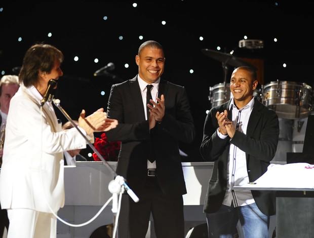 Roberto Carlos, Ronaldo e lateral Roberto Carlos show centenário Corinthians