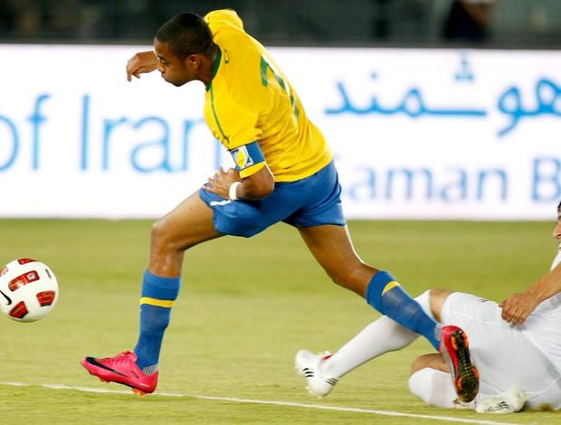 Robinho amistoso Brasil Irã Seleção Brasileira Abu Dhabi