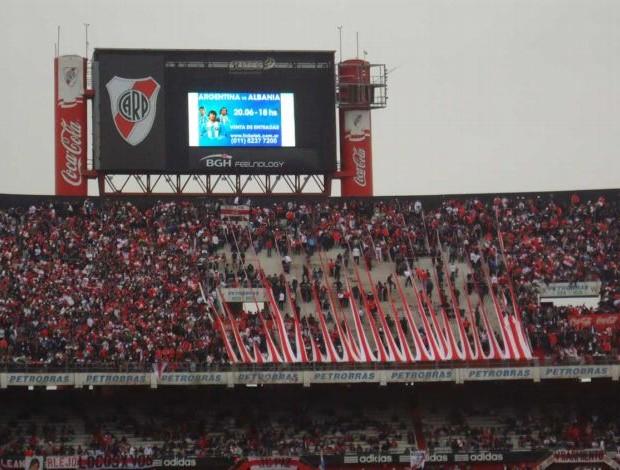 Torcida do River Plate no Monumental de Nunez (Foto: Marcos Felipe/GLOBOESPORTE.COM)