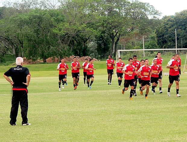 Emerson Leão no Paraguai (Foto: Marcelo Prado / Globoesporte.com)