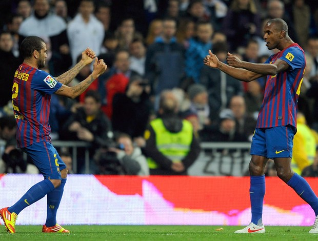 abidal real madrid  x barcelona (Foto: AFP)