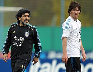 Messi e Maradona no treino da Argentina