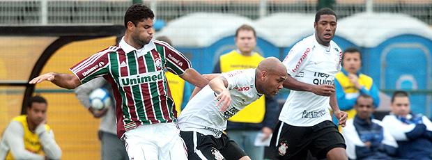 Flu joga bem, mas cai para o Corinthians (agência Photocâmera)