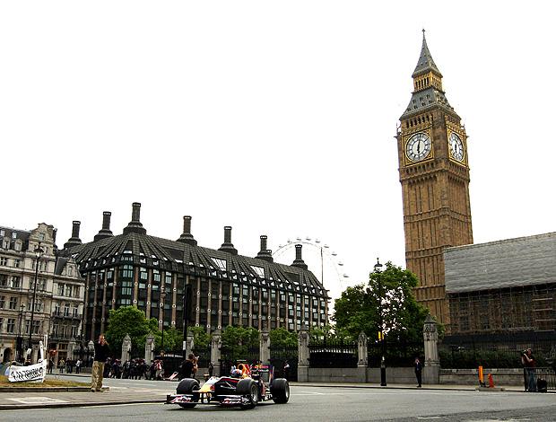 mark webber rbr parlamento  ruas de londres