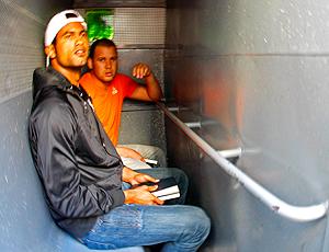 Bruno e Macarrão indo para Bangu 2