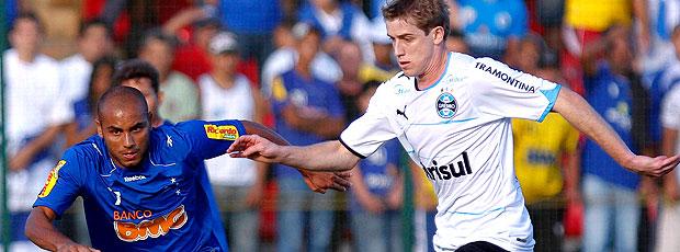 Jonathan no jogo entre Cruzeiro e Grêmio