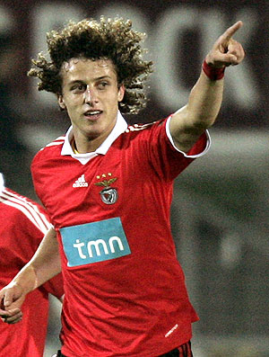 David Luiz e Luisão no jogo do Benfica