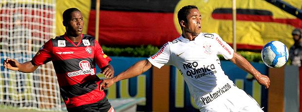 Jorge Henrique é titular, mas tem participação discreta: Corinthians perde liderança e vê penta mais difícil