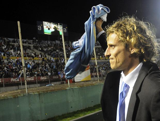 Diego Forlán Centenário (Foto: EFE)