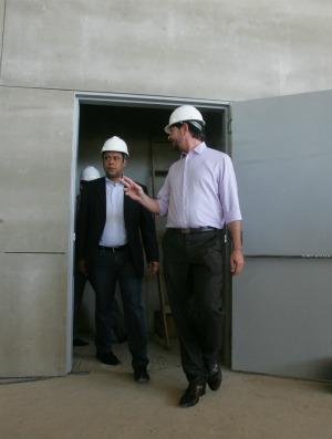 Ministro do Esporte Orlando Silva visita obras do Castelão (Foto: Rodrigo Carvalho/Agência Diário)
