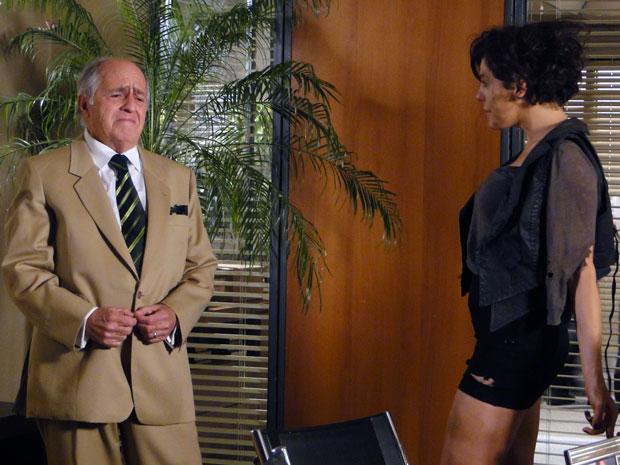 Isaías fica desesperado no reencontro com Virgínia (Foto: Morde & Assopra / TV Globo)