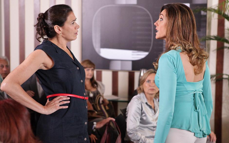 Tereza Cristina e Griselda ficam frente a frente. Sem medo de brigar, Pereirão rebate as palavras da socialite