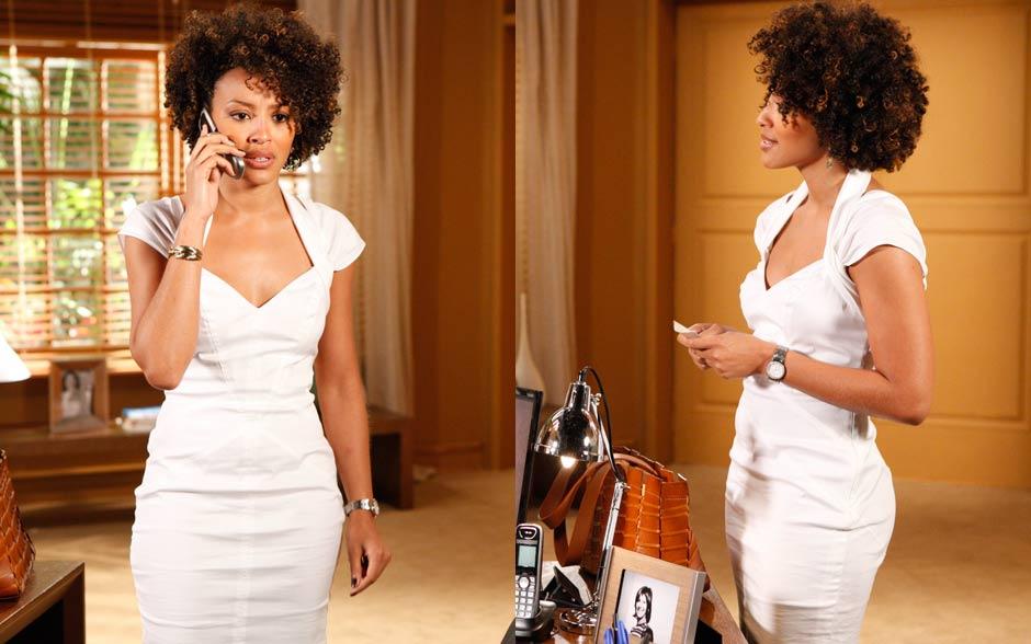 Sarita arrasa ao encontrar Alberto com vestido branco justíssimo
