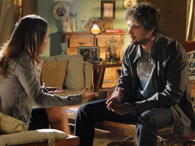 Ana termina o namoro com Rodrigo (Foto: A Vida da Gente - TV Globo)