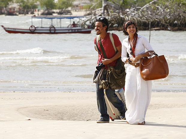 Miriam fica admirada pela beleza da Ilha de Marajó (Foto: Amor Eterno Amor/TV Globo)