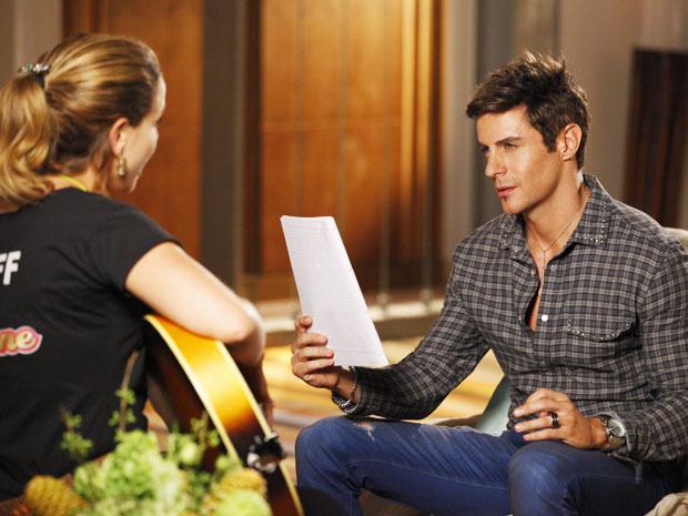 Fabian e Rosário cantam dueto juntos