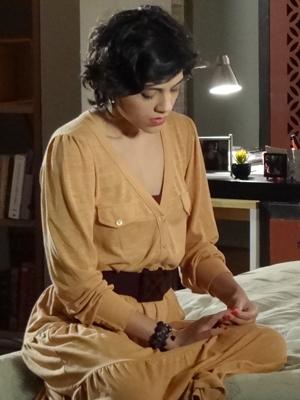 Miriam confessa estar muito confusa (Foto: Amor Eterno Amor / TV Globo)