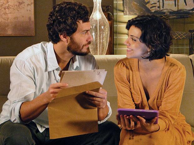 Rodrigo e Miriam sentem uma forte sintonia quando estão juntos (Foto: Amor Eterno Amor/TV Globo)