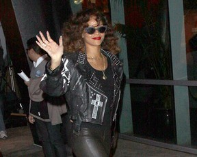 Rihanna em Los Angeles (Foto: Honopix)