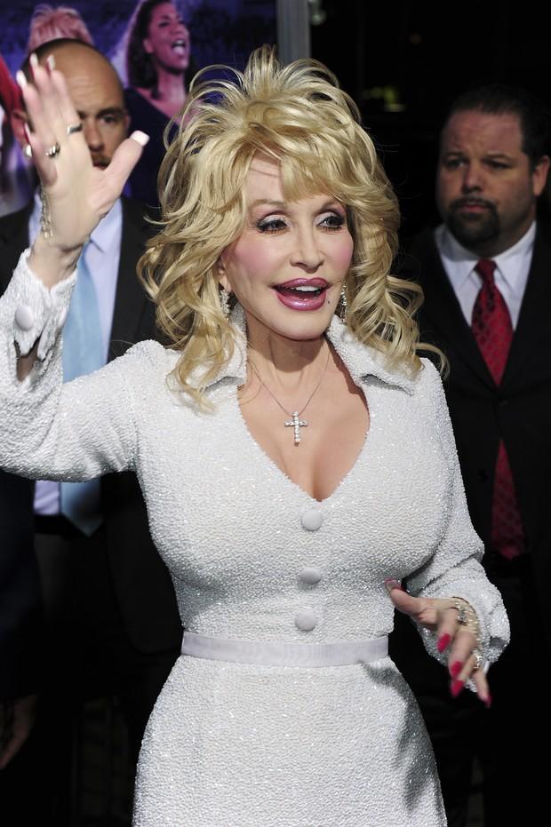 Dolly Parton na première do filme 'Joyful Noise' em Los Angeles, nos Estados Unidos (Foto: AFP/ Agência)