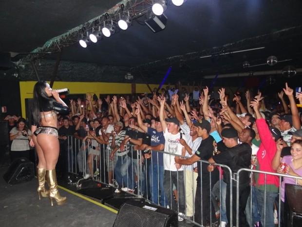 Mulher Melancia faz show em Pouso Alegre, Minas Gerais (Foto: Divulgação)
