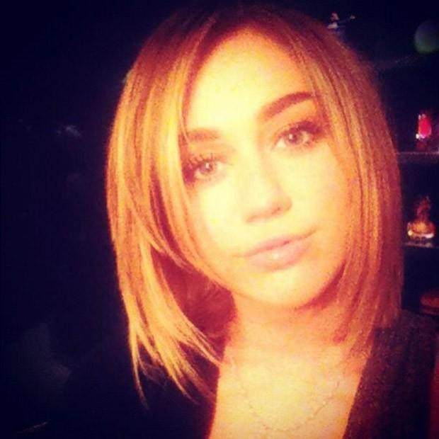 Miley Cyrus posta foto do novo visual no Twitter (Foto: Twitter / Reprodução)