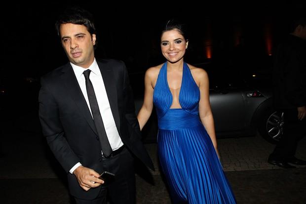 Vanessa Giacomo e o namorado no casamento de Tiago Leifert (Foto: Manuela Scarpa/ Foto Rio News)