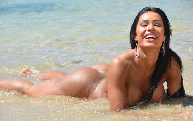 Gracyanne Barbosa em ensaio para a 'Sexy' (Foto: Divulgação)
